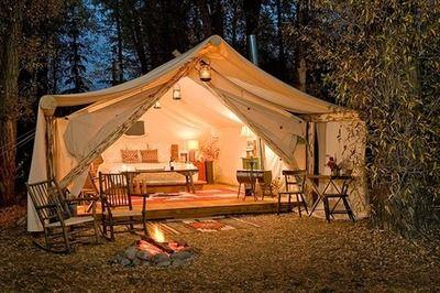 Outdoor living tent