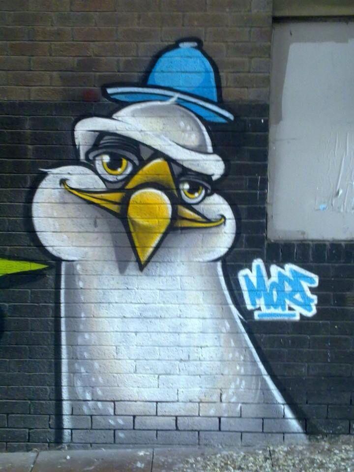 Brighton street art | graffiti: Seagull (close up)
