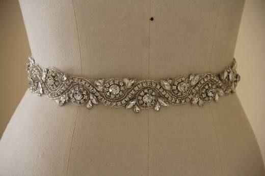 Wedding Belt, Bridal Belt, Wedding Accessory made of Crystal Rhinestones, sparkly Bridal Sash, Crystal Wedding Belt.