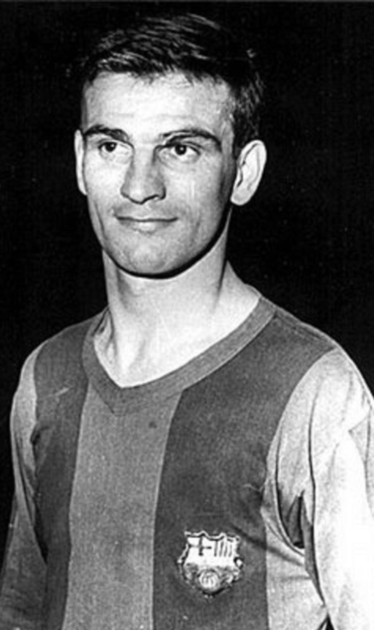 Kocsis Sándor known as 'Golden Head' due to his amazing abilities in the air, Kocsis (Budapest, Hungary, 1929 – Barcelona, 1979) escaped from Hungary in 1956 following the Soviet intervention in his country, when he was already an established star of his time Barça signed him two years later, along with his compatriot Zoltan Czibor.