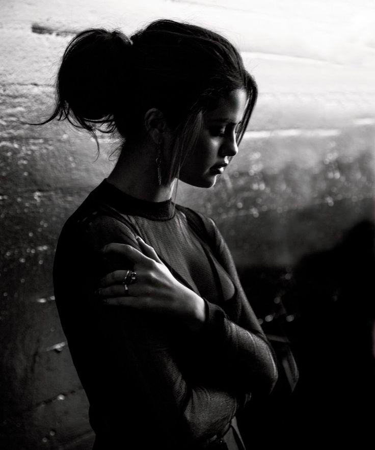 неканонических черно белое фото на аву грусть хорошо