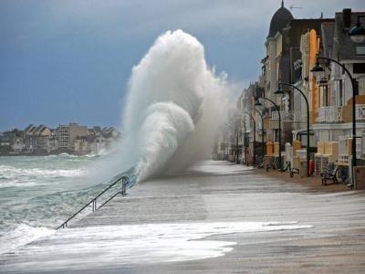 saint-malo-rampart séjour touristique Bretagne guide touristique