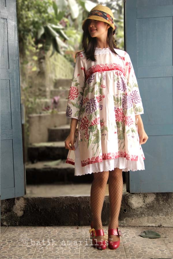 www.batikamarillis-shop.com  ....it's truly made with sugar,spice and everything nice..   such a romantic,chic & sweet layered dress with beautiful and delicate frothy cotton lace to complete the whole sugary look...