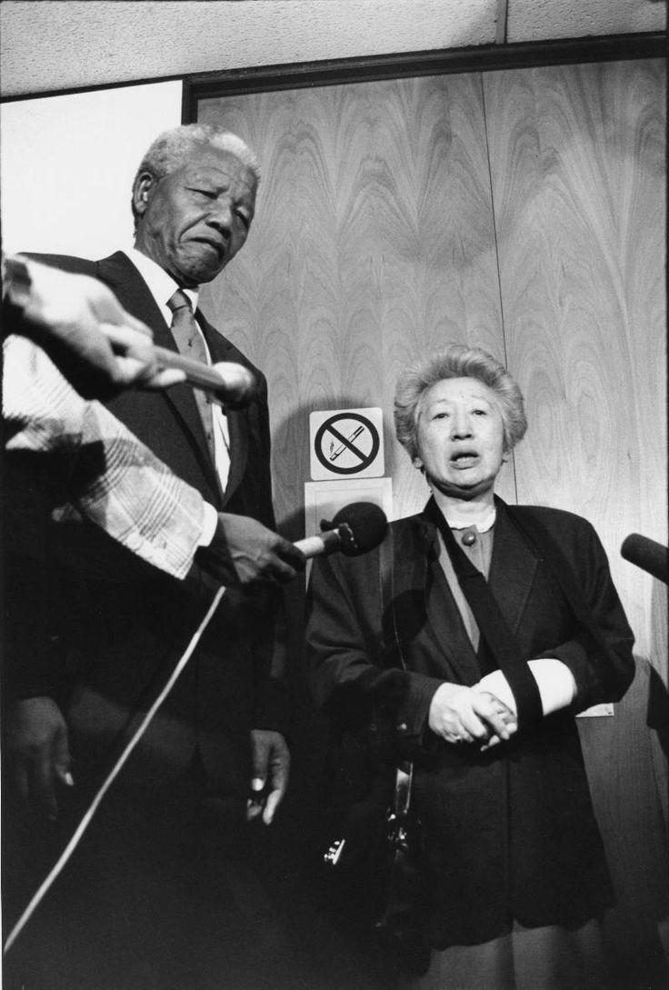 UN High Commissioner for Refugees, Mrs. Sadako Ogata and Mr. Nelson #Mandela. UNHCR / S. Foa / February 1994