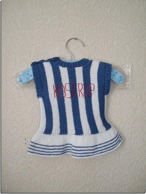 OB-kjolen set bagfra #OB #odenseboldklub #design #knitting #gallerigavlen