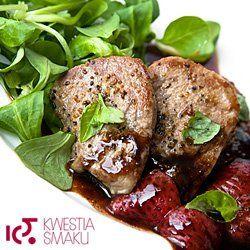 Polędwiczki wieprzowe w truskawkowym sosie balsamicznym | Kwestia Smaku