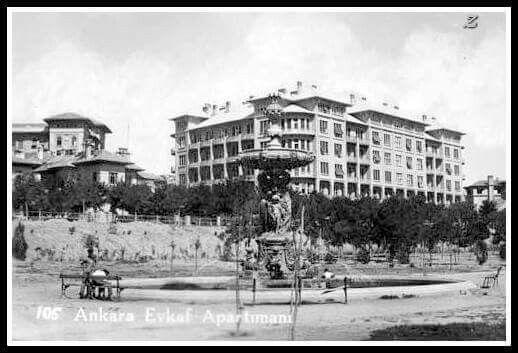 Ankara - Havuzlar   Superileri Ayyıldız Parkı (Gençlik Parkı) nda... 1938 tarihli bir fotograf..