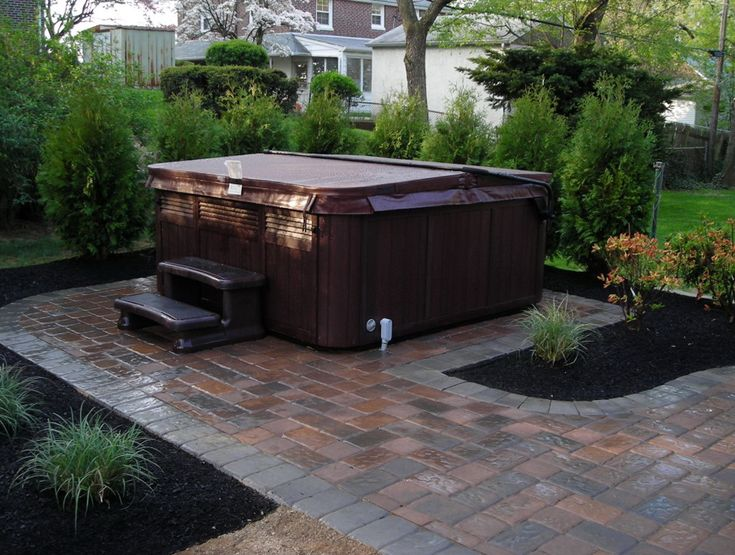 Best 25 hot tubs landscaping ideas on pinterest hot for Hot tub designs and layouts