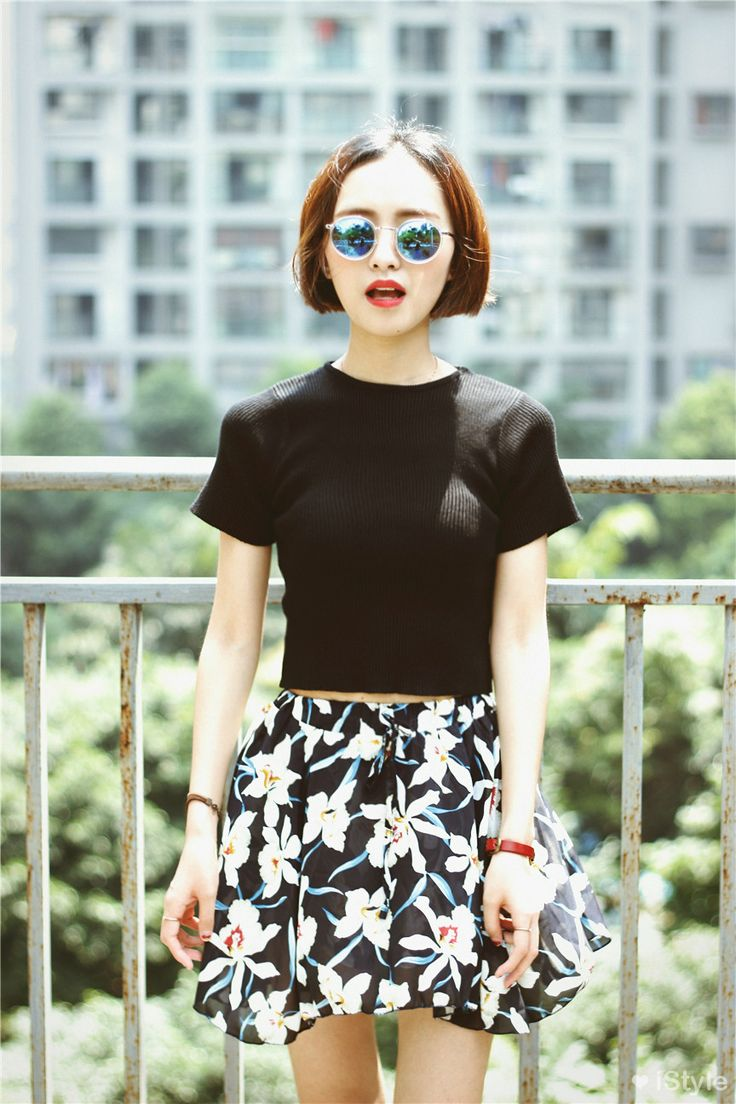 Sometimes I miss my really short hair. I really like the plain cropped black top with the printed skirt.