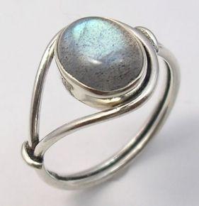 Ассиметричное кольцо с овальным лабрадоритом ― Моя Фантазия - редкие ювелирные изделия фото