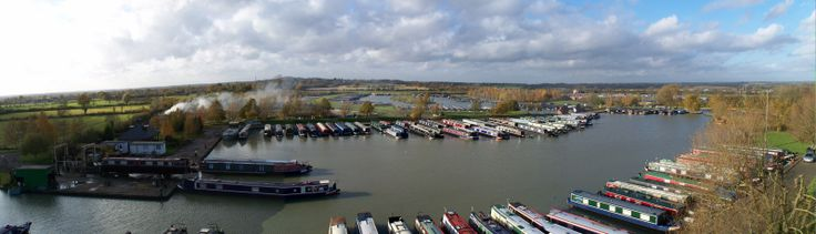 Locks & Meadows www.calcuttboats.com