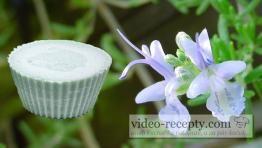 Domácí rozmarýnové mýdlo s glycerínem ze sádla
