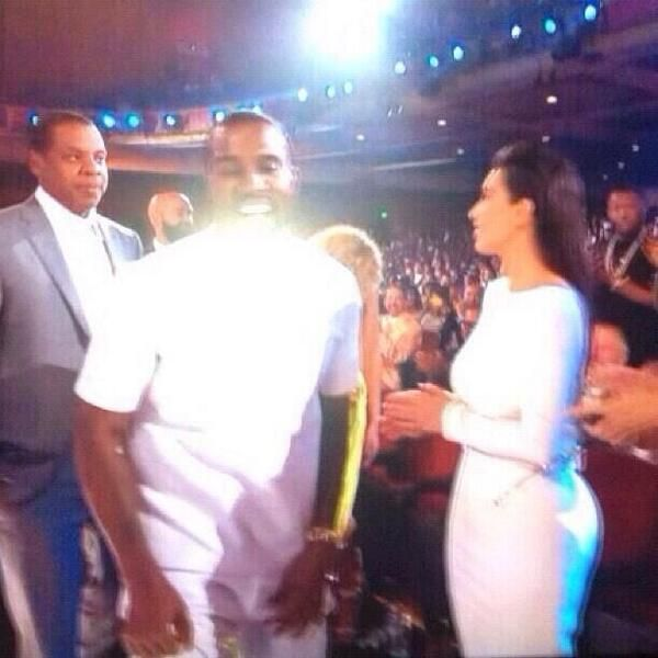 Look how Jay Z is looking at Kim Kardashien
