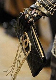 Womens Handbags & Bags : Chanel Fashion Shows & More Luxury Details