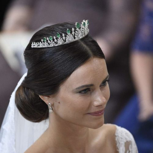 bernadottewindsor:  Wedding of Prince Carl Philip of Sweden and Sofia Hellqvist, June 13, 2015-Sofia wore a new tiara of diamonds and emeralds