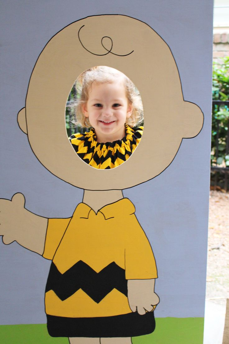charlie brown photo prop; charlie brown party ideas; great pumpkin party ideas