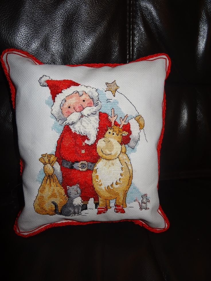 Santa & friends, cross stich pillow.