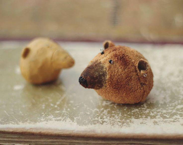 Без странных медведей совсем скучно,правда ведь? *Голова пробная,первая,но ужасно хочется поделиться