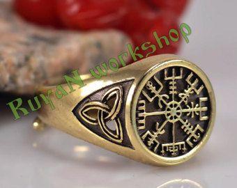 Vegvisir ring. Triskele ring. Norse Viking ring. Magic