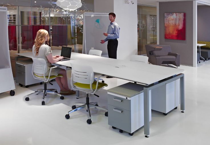 Meetings no longer have to take place in traditional conference rooms. Communal spaces can be designed with a variety of uses in mind. At KI, we define Active Design by creating flexible, open multi-use spaces! #ActiveDesign #ConnectionZone #Grazie #MyWay