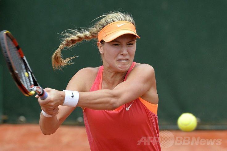 全仏オープンテニス(French Open 2014)、女子シングルス準々決勝。リターンを狙うユージェニー・ブシャール(Eugenie Bouchard、2014年6月3日撮影)。(c)AFP/MIGUEL MEDINA ▼4Jun2014AFP ブシャール、尊敬するシャラポワとの対戦へ 全仏オープン http://www.afpbb.com/articles/-/3016673 #Eugenie_Bouchard #French_Open #Internationaux_de_France_de_tennis #Torneo_de_Roland_Garros