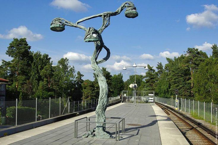Стокгольмский метрополитен Про искусство в метро еще не забыли? Хоть маленькое, но положено. Это тоже Stureby.