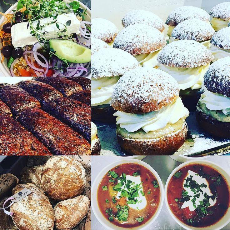 Idag är det fokus på det danska rågbrödet barnens tekakor och till lunch har vi grekisk sallad och gulaschsoppa. Lillsemlan är också på platshjärtligt välkomna #torslanda #sockermajas #bakery