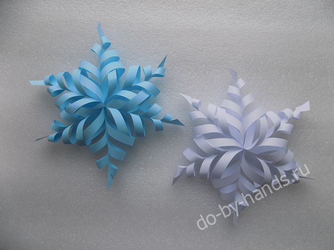volumetric snowflakes out of paper