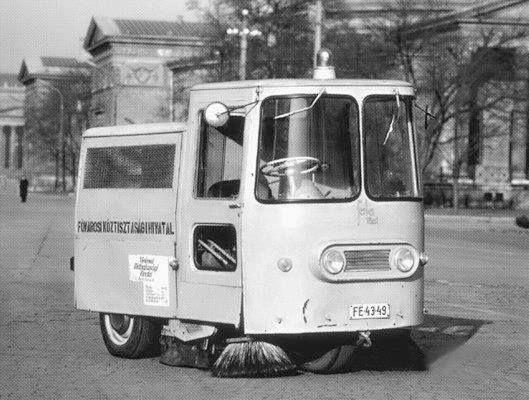 1969. Utcaseprő a Városligetben.