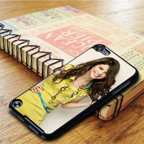 Selena Gomez Hot Smile Singer Idol Star iPod 5 Touch Case