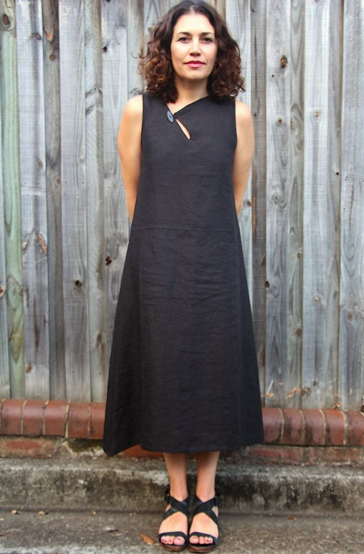 Sew Tessuti Blog - Sewing Tips & Tutorials - New Fabrics, Pattern Reviews: My Version Sophie Dressdétail découpe haut robe
