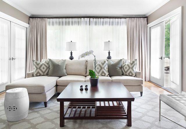 Salon simple et joli en blanc