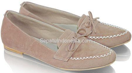 Sepatu wanita GES 01 adalah sepatu wanita yang nyaman dan...