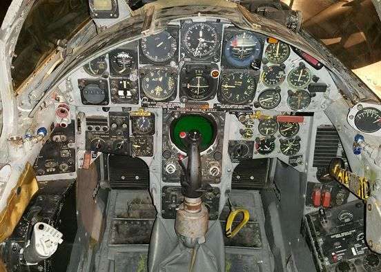 f 104c starfighter cockpit - HD 2100×1500