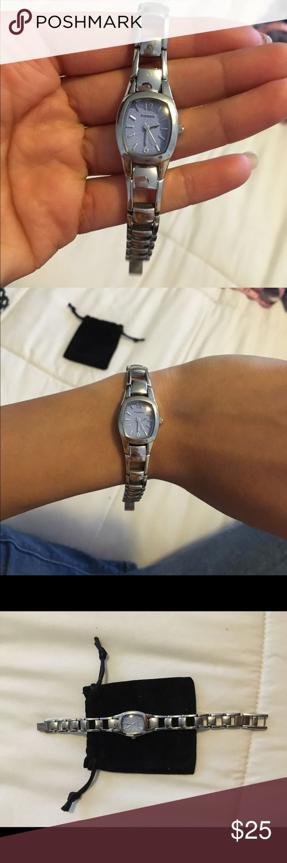 cool Montre pour femme : Fossil Watch Women's Fossil watch. Almost perfect condition.  Works but need...