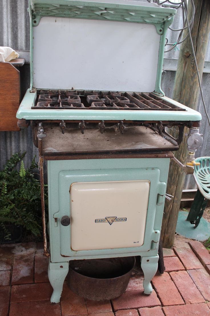1939 Metters Early Kooka No.12 gas stove, plumbed in and working