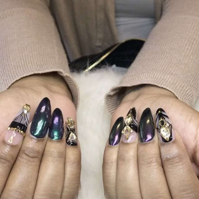 476.7k Followers, 407 Following, 1,893 Posts - See Instagram photos and videos from Matte Queen (@nailsbymztina)