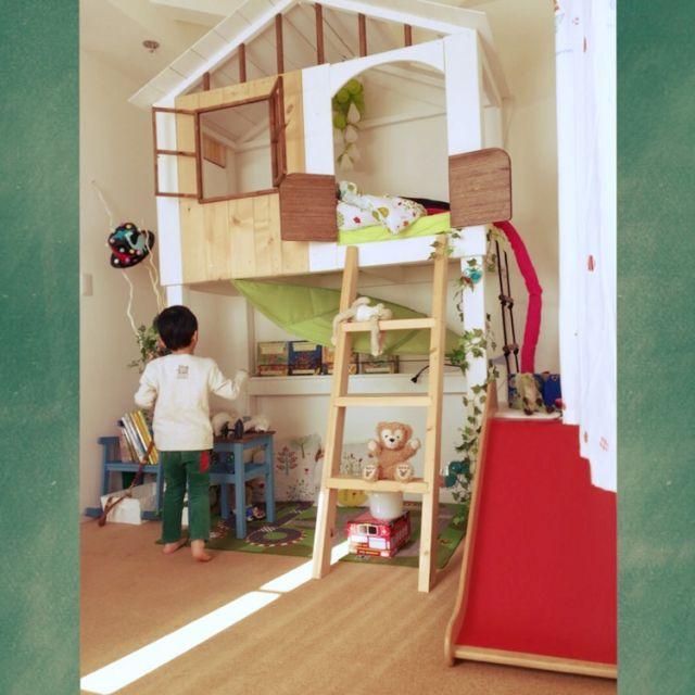 akatukiyukiさんの、ベッド周り,雑貨,子供部屋,ロフト,絵本,子どもスペース,子供スペース,こども部屋,キッズスペース,子供部屋 ,ツリーハウス風,こどもと暮らす。,絵本が好き,のお部屋写真