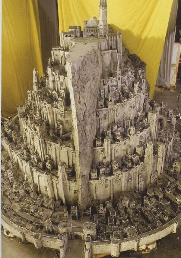 Model: Minas Tirith                                                                                                                                                     Mais
