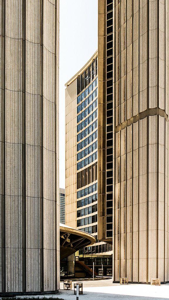 https://flic.kr/s/aHskZo9rpd | Toronto City Hall | Opened 1965. Architect: Viljo Revell.
