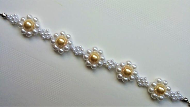 DIY beaded bracelet tutorial. Make this flower bracelet for spring!