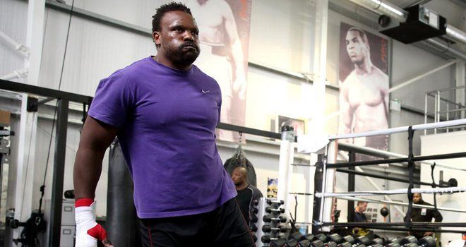 Boxing: Dereck Chisora pulls out of bout with Tyson Fury due to fractured hand