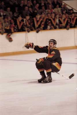 "Dave ""Tiger"" Williams, Vancouver Canucks ================================== YES!  Those were the days!!!"