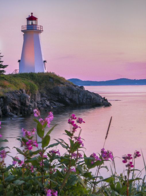 Lighthouse, Bay of Fundy, between New Brunswick and Nova Scotia in eastern Canada. #Lighthouses