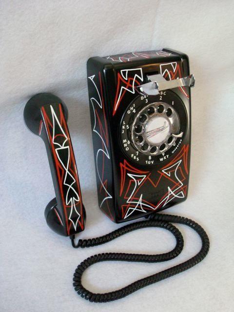 Pinstriped phone