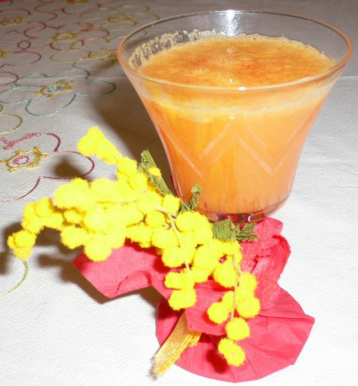 Cocktail Mimosa, festa della donna 8 Marzo