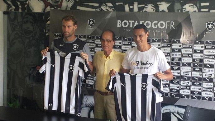 """BotafogoDePrimeira: Torres gêmeas: Botafogo apresenta """"gigantes"""" Joel ..."""