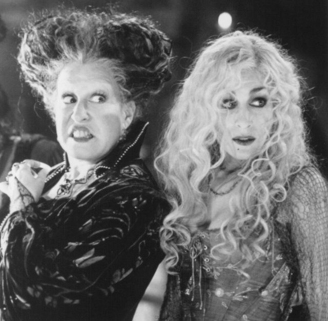 Bette Midler and Sarah Jessica Parker in Hocus Pocus