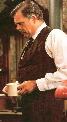 Pat Hingle played Fred Gibson in Earp Rides Again.