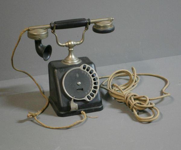 die besten 25 antikes telefon ideen auf pinterest altes telefon vintage sachen und vintage rosa. Black Bedroom Furniture Sets. Home Design Ideas